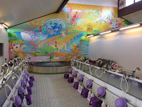 (東京・昭島) 2016年1月23日リニューアルオープン。 営業時間は都内最長級の21時間!漫画約6000冊が置いてある待合室のご利用を含めると、なんと22時間!  飲むこともできる昭島の井戸水100%のきれいなお湯をご堪能ください。